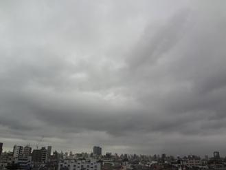 8.27*朝の雲*小雨*26.6.jpg