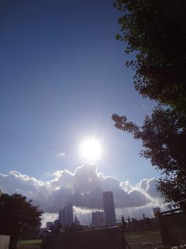 9.3*朝の新宿*凄い雲*51.2.jpg